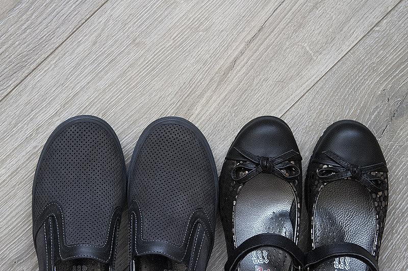 7e33ab98d3b7 Можно выбрать туфли в интернет-магазине teremok.com.ua, посмотреть фото  обуви, а забрать в стационарном магазине. Здесь есть школьная обувь  производства ...
